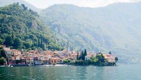 Ciudad de Varenna en el lago Como Fotos de archivo libres de regalías