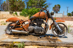 Ciudad de Yarloop después del fuego: Motocicleta Foto de archivo libre de regalías