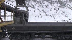 Ciudad de Yasny, región de Orenburg, Rusia, mina para la extracción del amianto de crisotilo, 02/10/2018 metrajes