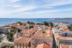 Ciudad de Zadar de la torre dalmatia Croacia fotografía de archivo libre de regalías