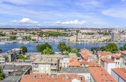 Ciudad de Zadar de la torre dalmatia Croacia imagenes de archivo