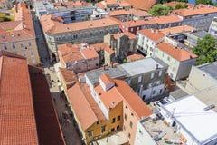 Ciudad de Zadar de la torre dalmatia Croacia fotografía de archivo