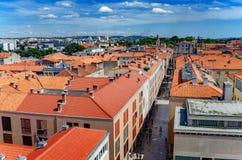 Ciudad de Zadar de la torre dalmatia Croacia fotos de archivo