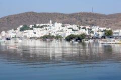 Ciudad del acceso de la isla de los Milos Imagen de archivo libre de regalías