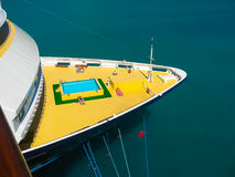 Ciudad del camino, Tortola, British Virgin Islands - 6 de febrero de 2013: Barco de cruceros Mein Schiff 1 atracado en puerto Imagenes de archivo