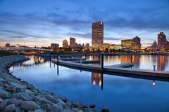 Ciudad del horizonte de Milwaukee. Imágenes de archivo libres de regalías
