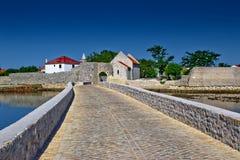 Ciudad del puente de la entrada de Nin Imagen de archivo