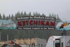 Ciudad del ` s primer de Alaska imagenes de archivo