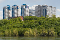 Ciudad del Samara con el río Volga Foto de archivo libre de regalías