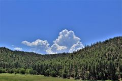 Ciudad del valle de la estrella, Gila County, Arizona, Estados Unidos, bosque del Estado de Tonto Imagenes de archivo