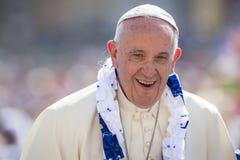 Ciudad del Vaticano, el 3 de septiembre de 2016: Cierre de papa Francisco para arriba imagen de archivo libre de regalías