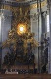 Ciudad del Vaticano, Roma, Italia - 10 de julio de 2017: Altar del Vaticano Fotografía de archivo