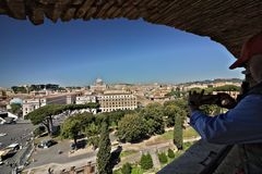 Ciudad del Vaticano y la basílica de San Pedro imagen de archivo