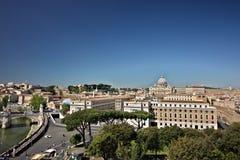 Ciudad del Vaticano y la bas?lica de San Pedro imagen de archivo