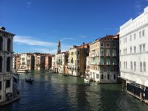 Ciudad en el agua fotografía de archivo