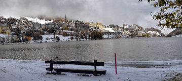 Ciudad en el lago St Moritz Imagenes de archivo