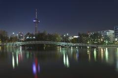 Ciudad en la noche, Colonia (koln) Fotografía de archivo