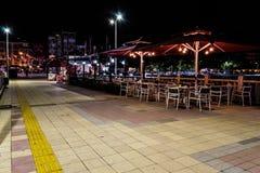 Ciudad en la noche de verano - Turquía de Cinarcik Foto de archivo
