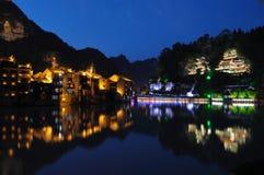 Ciudad en la noche de Zhenyuan Foto de archivo libre de regalías