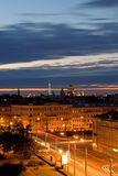 Ciudad en la oscuridad Imagenes de archivo