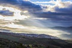 Ciudad en la salida del sol, España de Guadalupe Fotos de archivo libres de regalías