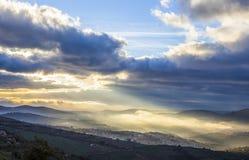 Ciudad en la salida del sol, España de Guadalupe Foto de archivo libre de regalías