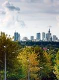 Ciudad en nubes foto de archivo