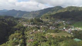 Ciudad en provincia de la montaña Sagada, Filipinas almacen de video