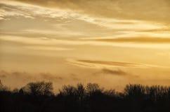 Ciudad en puesta del sol Foto de archivo libre de regalías