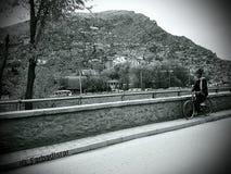 ¡Ciudad en una montaña! foto de archivo