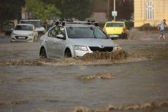 Ciudad europea inundada durante fuertes lluvias Fotografía de archivo