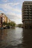 Ciudad europea inundada durante fuertes lluvias Fotos de archivo libres de regalías