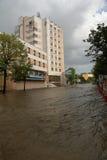 Ciudad europea inundada durante fuertes lluvias Fotografía de archivo libre de regalías
