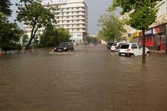 Ciudad europea inundada durante fuertes lluvias Imagen de archivo