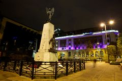 Ciudad eurorpean septentrional moderna en la noche imagen de archivo libre de regalías