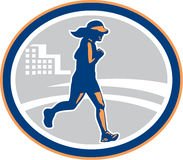 Ciudad femenina del corredor de maratón retra Imagenes de archivo