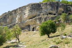Ciudad-fortaleza medieval en las montañas Fotos de archivo libres de regalías