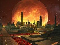 Ciudad futura en el planeta de la lava con la Luna Llena Foto de archivo libre de regalías