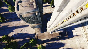 Ciudad futurista, ciudad Arquitectura del futuro Silueta del hombre de negocios Cowering Animación realista estupenda 4K almacen de video