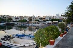 Ciudad griega en la costa fotos de archivo libres de regalías