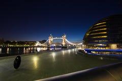 Ciudad Hall Tower Bridge de Londres Imagen de archivo libre de regalías
