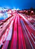 Ciudad hermosa de la noche en el movimiento Imágenes de archivo libres de regalías