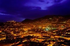 Ciudad hermosa en la noche Imagen de archivo libre de regalías