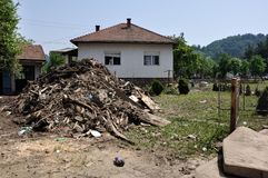Ciudad inundada de Bosnia y Herzegovina Ciudad de Maglaj Imagen de archivo libre de regalías