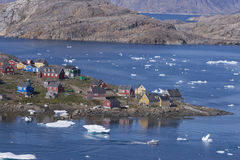 Ciudad Kulusuk en Groenlandia Foto de archivo libre de regalías