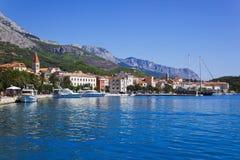 Ciudad Makarska en Croatia Foto de archivo