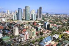 Ciudad manila Filipinas del makati del horizonte de Rockwell Imagen de archivo