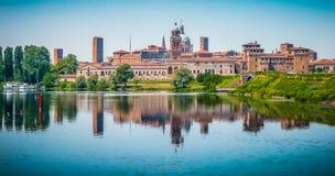 Ciudad medieval de Mantua en Lombardía, Italia imágenes de archivo libres de regalías