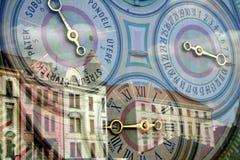 Ciudad medieval y reloj astronómico Fotografía de archivo libre de regalías