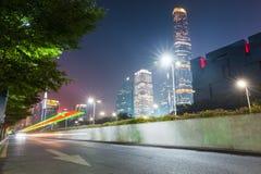 Ciudad moderna en la noche en Guangzhou fotografía de archivo